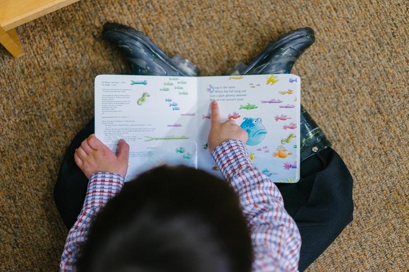 Hogyan fejleszti az olvasás a kreativitást? Sokszínűbben, mint gondolnád!
