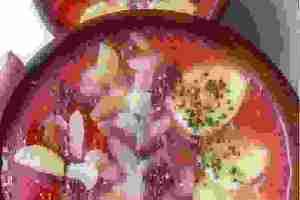 Πρωινό smoothie bowl με μπανάνα και φράουλα για να ξεκινήσεις τη μέρα σου με τον πιο θρεπτικό τρόπο - Shape.gr