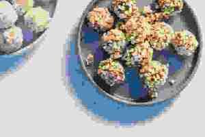 Φτιάξε θρεπτικές μπάλες ενέργειας με σοκολάτα ή αμύγδαλο - Shape.gr