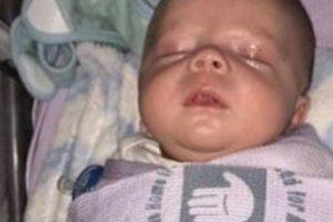 """""""Μη φιλάτε τα νεογέννητα"""" - Μωρό κινδύνευσε να πεθάνει μετά τη βάπτισή του"""