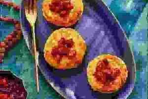Συνταγή για τσάτνεϊ cranberry και latkes (πιτούλες) με κουνουπίδι