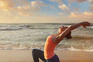 Τονώστε το σώμα σας με αυτές τις στάσεις γιόγκα