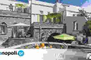Crossroads Inn: Αυθεντική ελληνική φιλοξενία στην Τήνο