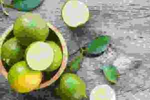 Ποια είναι τα φρούτα με Βιταμίνη C; Πώς να χρησιμοποιήσεις ολόκληρο το φρούτο, από τη φλούδα μέχρι το χυμό του