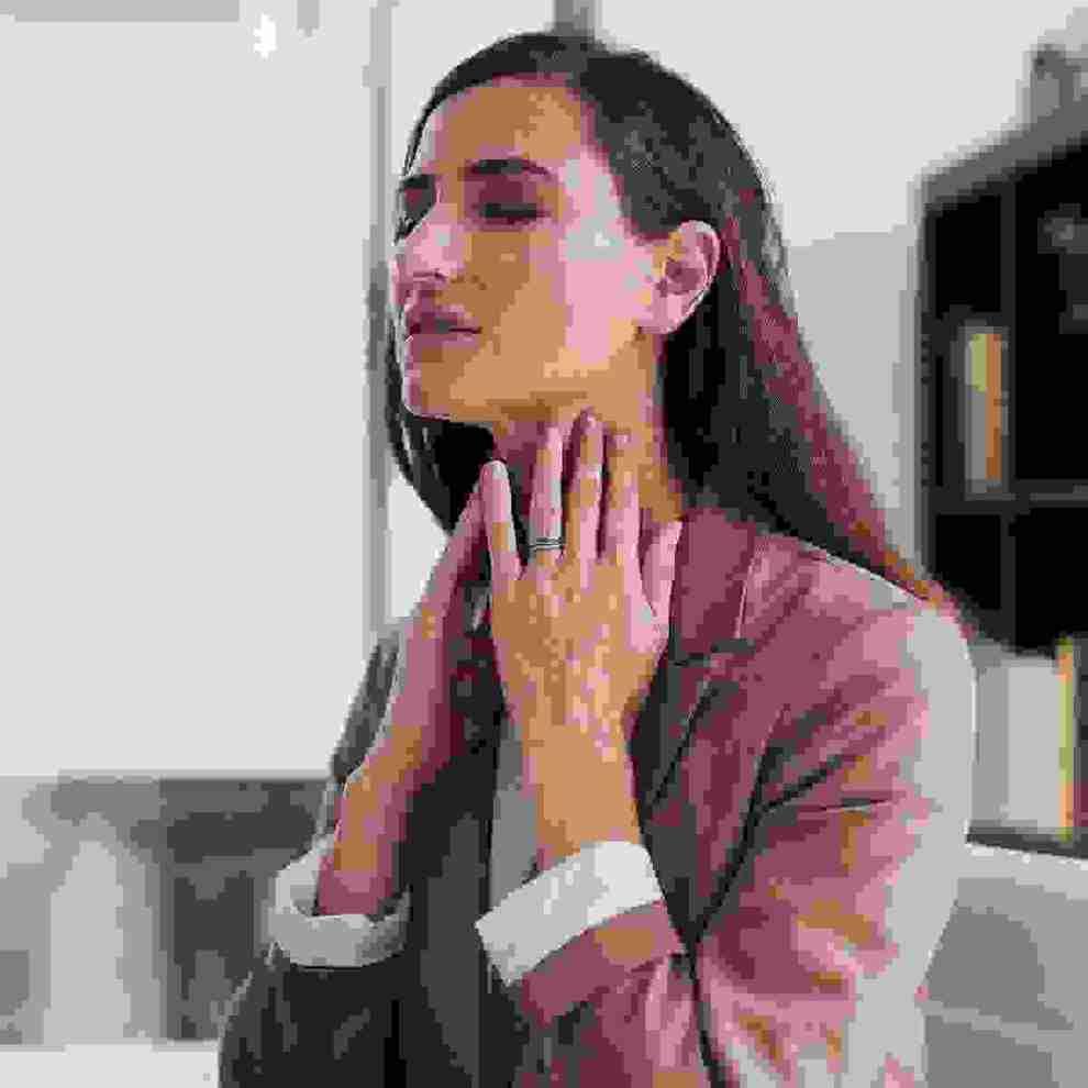 Πόνος στο λαιμό; Δοκίμασε το «γιατρικό» της health editor - Shape.gr
