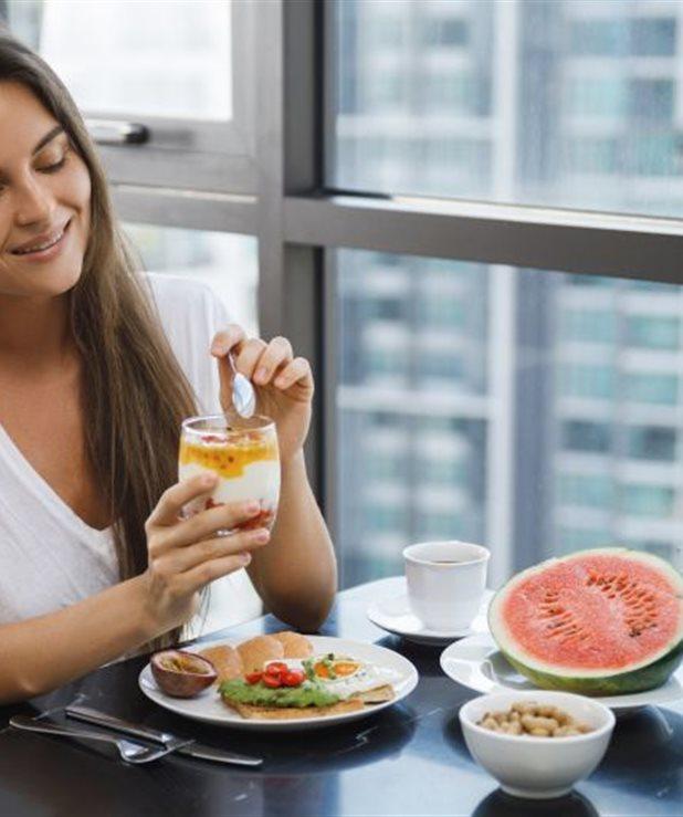 Τα σημάδια που δείχνουν ότι δεν τρώτε αρκετά