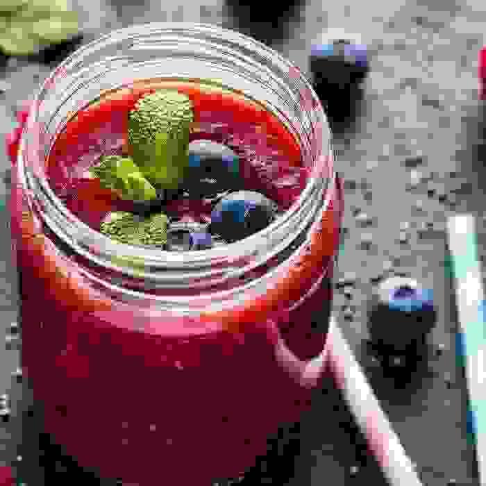 2 smoothies με λιναρόσπορο που βοηθούν στο αδυνάτισμα - Shape.gr