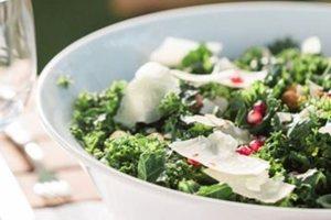 Απολαυστική σαλάτα με ρόδι και παρμεζάνα!