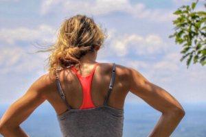 Αυτό το κόλπο στο τρέξιμο είναι έξι φορές πιο αποτελεσματικό. Μαντεύεις γιατί;