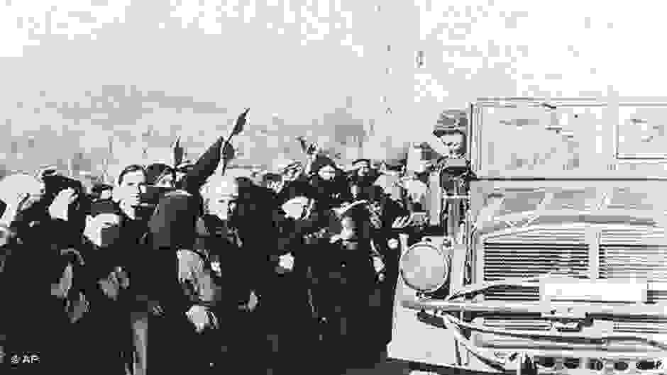 Μαρτυρίες απογόνων Ναζί και δωσιλόγων στην Ελλάδα | DW | 08.10.2018