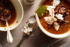 Φακές με μανιτάρια, πελτέ και πάπρικα