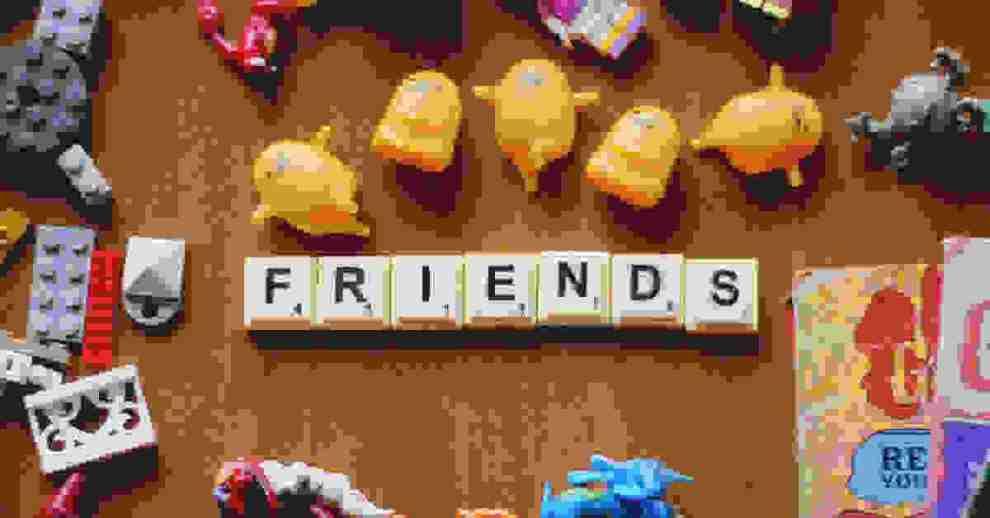 6+1 χαρακτηριστικά που θα πρέπει να έχει μια σωστή (ή και όχι) φίλη