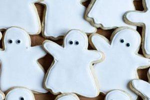 Trick or treat: Μπισκότα-φαντασματάκια για εσάς και την παρέα σας