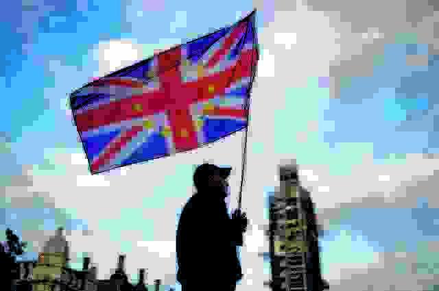 Μπόρις Τζόνσον : Ισότιμη μεταχείριση πολιτών της ΕΕ και λοιπών μεταναστών μετά το Brexit