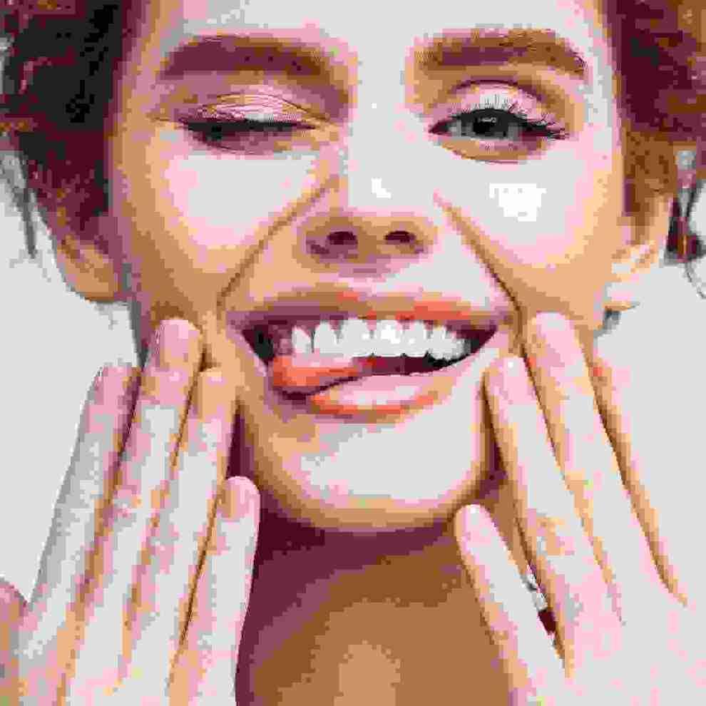 Συμβουλές για κουρασμένο δέρμα: 6 tips για να λάμψει το πρόσωπό σου - Shape.gr