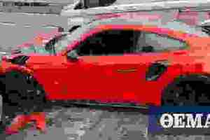 """Παρέλαβε καινούργια Porsche και την """"έλιωσε"""" λίγα μέτρα πιο κάτω…"""