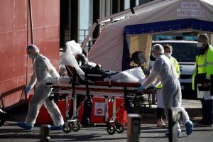 Γαλλία: Πάνω από 3.000 νεκροί – Καταρρέει το σύστημα υγείας
