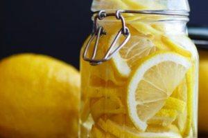 Γλυκιά πίκλα λεμονιού