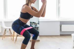 Γυμναστική στο σπίτι: Ασκήσεις ενδυνάμωσης για όλο το σώμα από την Ελεάννα Λίμα - Shape.gr