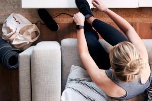 Γυμναστική στο σπίτι χωρίς εξοπλισμό: Οι personal trainers μάς δίνουν εναλλακτικές επιλογές - Shape.gr