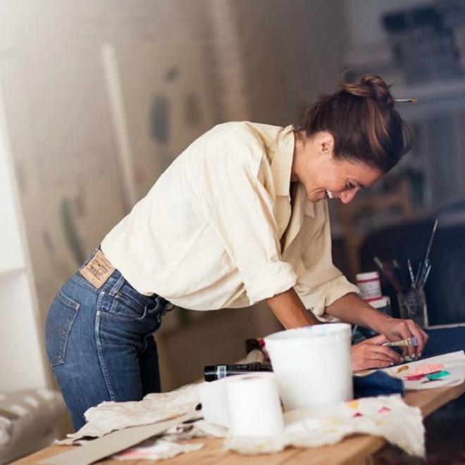 Είσαι ντροπαλή, δε δείχνεις τις επιτυχίες σου και άλλοι λόγοι που δε «φαίνεσαι» στη δουλειά - Shape.gr