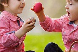 Εσείς ξέρετε γιατί τσουγκρίζουμε αυγά το Πάσχα;