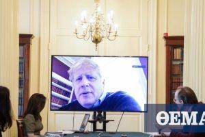 Κορωνοϊός – Βρετανία: Βελτίωση για τον Μπόρις Τζόνσον που τώρα «κάθεται στο κρεβάτι»