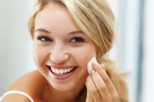 Ξέμεινες από οδοντόκρεμα ή ξηρό σαμπουάν και άλλες έκτακτες ανάγκες ομορφιάς βρίσκουν λύση - Shape.gr