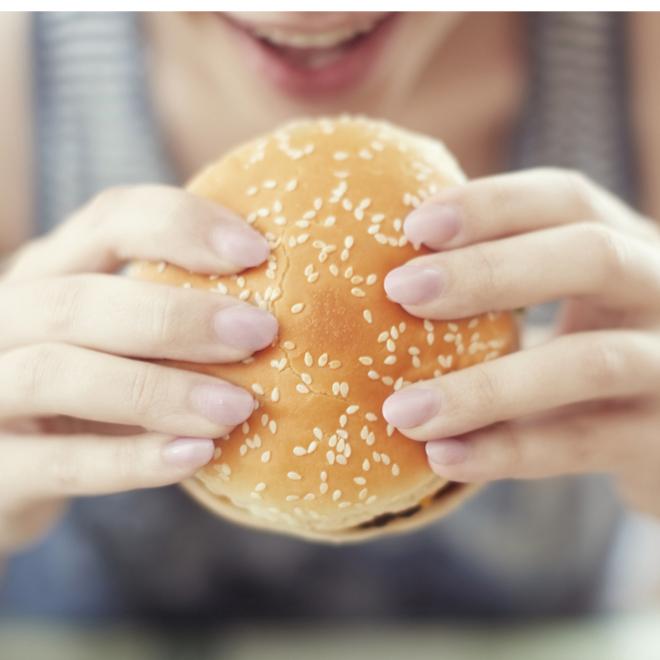 «Έχω λιγούρα για μπέργκερ και κρέας»: Να σε ποιο στοιχείο μπορεί να έχεις έλλειψη - Shape.gr