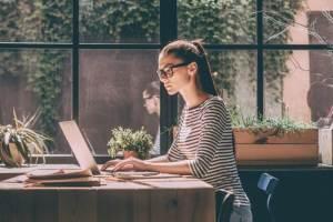 Έχεις κακή διάθεση; Έτσι θα είσαι περισσότερο παραγωγική λέει έρευνα - Shape.gr