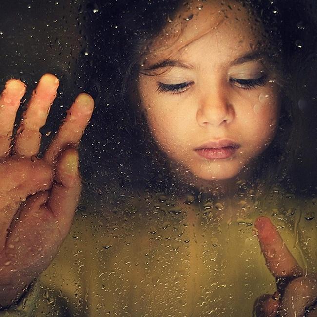 Ας μεγαλώσουμε παιδιά που δεν χρειάζεται να «συνέλθουν» από την παιδική τους ηλικία