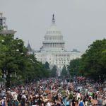 Ουάσινγκτον: Χιλιάδες διαδηλωτές κατά του ρατσισμού – Μαζικές διαδηλώσεις σε όλο τον κόσμο