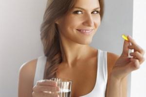5 αλήθειες για τις βιταμίνες που παίρνουμε καθημερινά και τι συμπλήρωμα χρειάζεσαι - Shape.gr