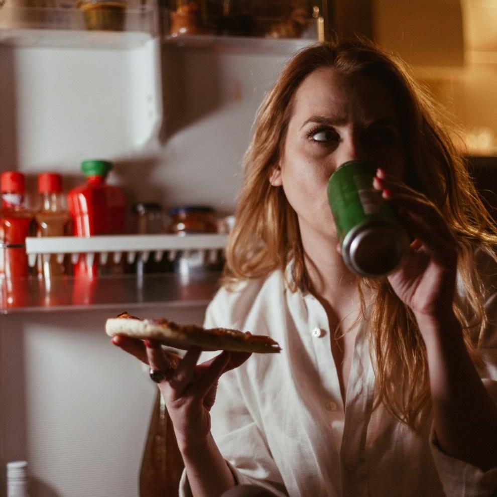 5 τροφές που προκαλούν αΰπνία το βράδυ - Shape.gr