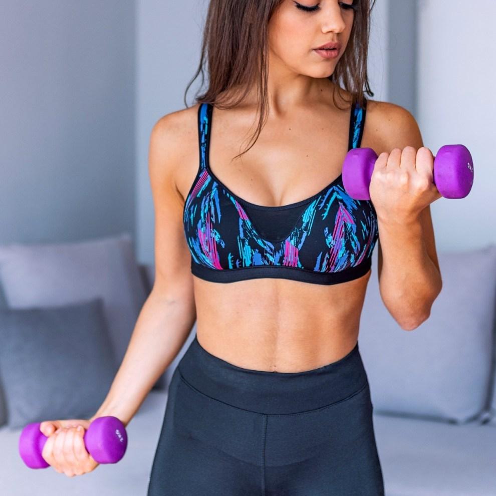 Άσκηση για σφιχτά μπράτσα: 15λεπτο workout για γυμνασμένα χέρια - Shape.gr