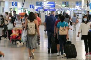 Γερμανικά ΜΜΕ: Η Ελλάδα αιφνιδιάζει τους τουρίστες | DW | 01.07.2020