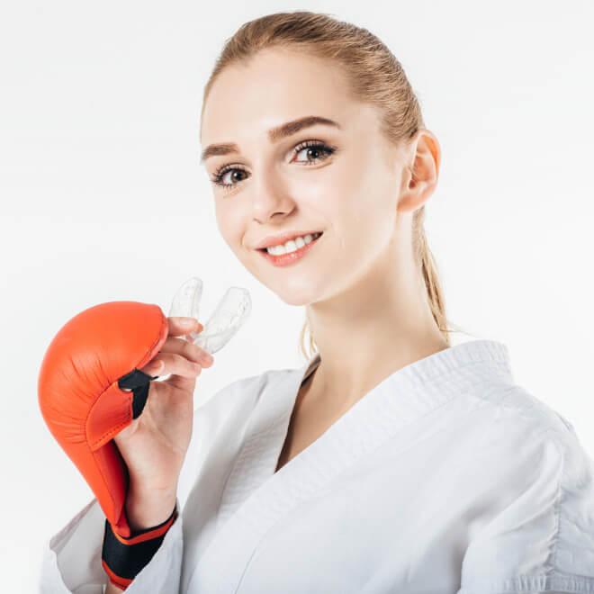 Προστατευτικοί νάρθηκες δοντιών: Γιατί και πότε χρειάζεται να τους χρησιμοποιείς - Shape.gr