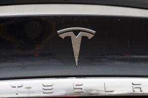 Πώς η Τesla έγινε η αυτοκινητοβιομηχανία με την μεγαλύτερη αξία