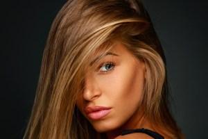 Ηλιοκαμένη λάμψη στο πρόσωπο: Πώς θα τη διατηρήσεις μετά τις διακοπές; - Shape.gr