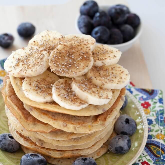 Ιδέες για σνακ πρωτεΐνης που χορταίνουν (αλλά δεν παχαίνουν) από τη διαιτολόγο!