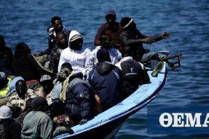 Ιταλία: Περίπου 450 μετανάστες έφτασαν τη νύχτα στη Λαμπεντούζα