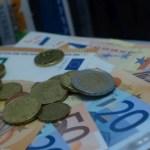 Μείωση προκαταβολής φόρου εισοδήματος: Οι διαδικασίες και οι δικαιούχοι