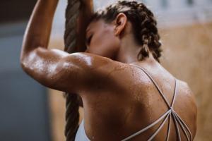 Διαλειμματική προπόνηση: Μειώνεις λίπος και φτιάχνεις φυσική κατάσταση λένε οι έρευνες - Shape.gr