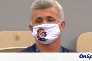 Η τρομερή μάσκα του πατέρα Τσιτσιπά και η διακοπή! (videos+photos)