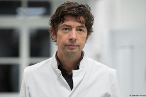 Κρ. Ντρόστεν: Η πανδημία τώρα ξεκινά | DW | 24.09.2020