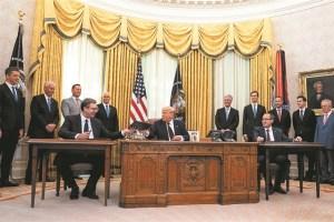 Ο «ειρηνοποιός» Τραμπ και η ημιτελής συμφωνία
