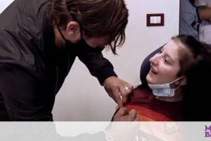 Συγκινητικές εικόνες: Ο Τότι επισκέπτεται φαν που βοήθησε να συνέλθει από κώμα