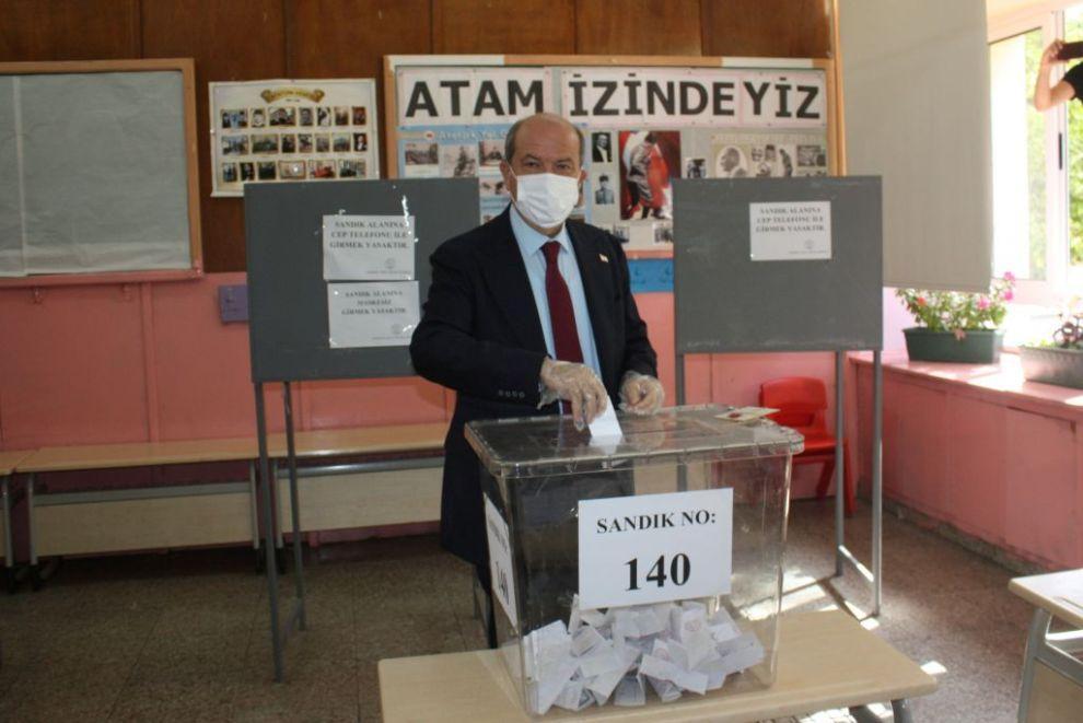 «Εκλογές» στα Κατεχόμενα: Νίκη για τον «εκλεκτό» του Ερντογάν, Ερσίν Τατάρ - Ειδήσεις - νέα - Το Βήμα Online