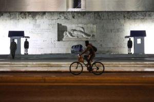 Κορωνοϊός : Επιθετική η έξαρση της πανδημίας φέρνει πιο κοντά γενικά μέτρα καραντίνας