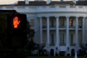 ΗΠΑ: «Δεν θα θέσουμε υπό έλεγχο την πανδημία», λέει ο προσωπάρχης του Ντ. Τραμπ